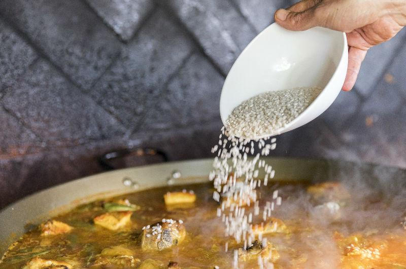 Cocción de paella valenciana