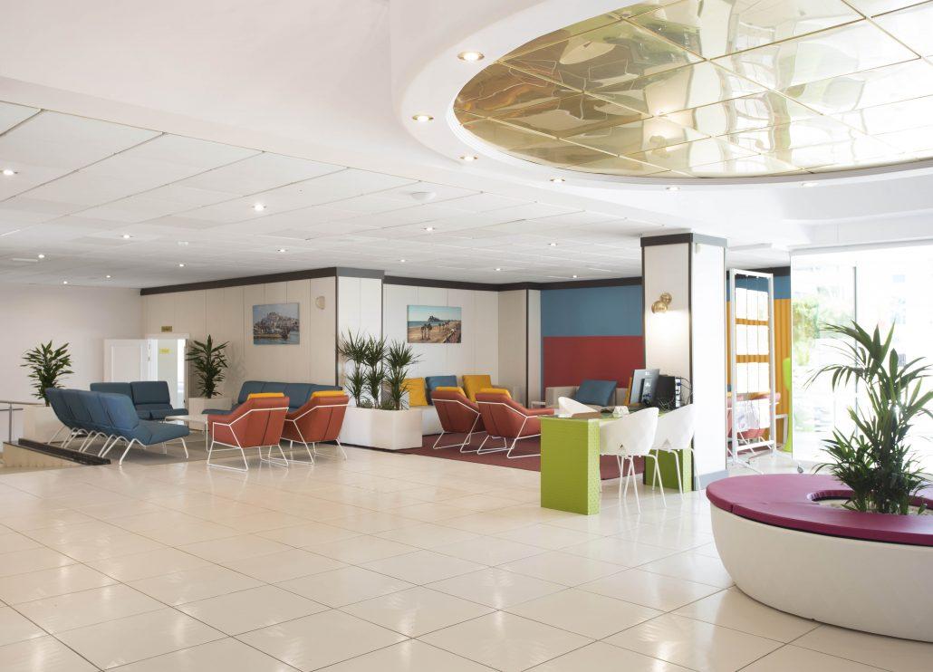 Recepción hotel ZT hotels