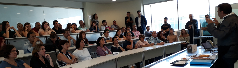 Estudiantes en un aula de la Red Centres de Turisme de Turisme Comunitat Valenciana