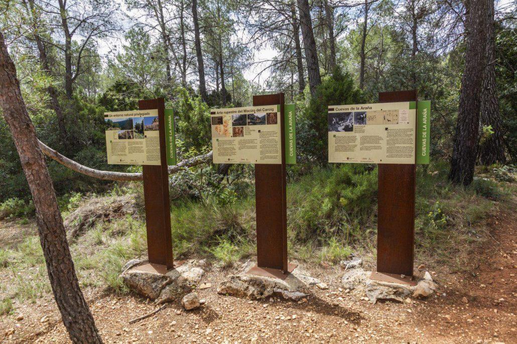 señalización de las pinturas rupestres de Bicorp, Valencia, Comunitat Valenciana