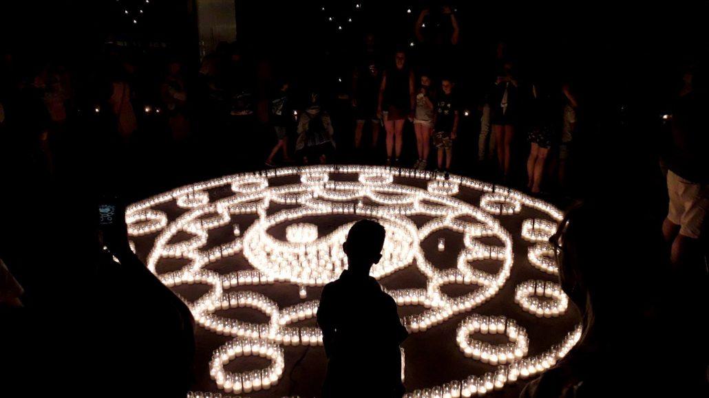 Dibujo con las velas en la Noche de las Velas de Titaguas. Comunitat Valenciana