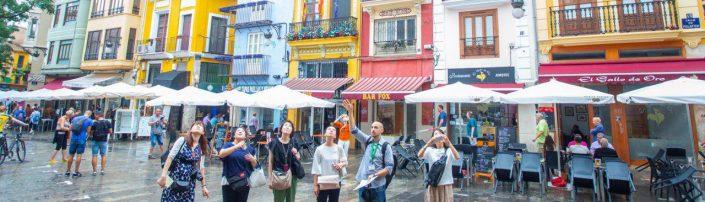 visita guiada en Valencia a turistas japoneses